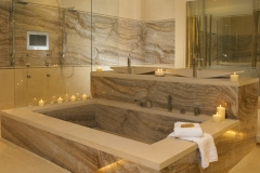 Травертин Сильвер-Браун ванная